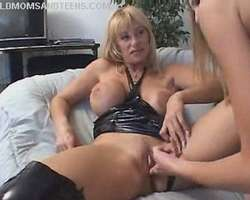 Mature And Teen Lesbo